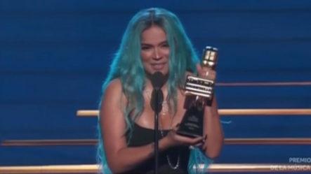 Karol G Gana El Premio Como Artista Femenina Del Año En Los Latín Billboard 2021