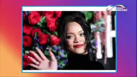 La Cantante Rihanna Se Une A Las Celebridades Que Lanzan Su Libro Autobiográfico