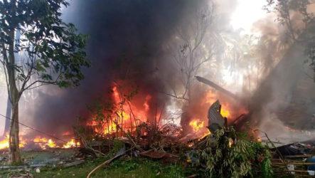 Se Estrelló Un Avión Militar Filipino Con 96 Personas A Bordo