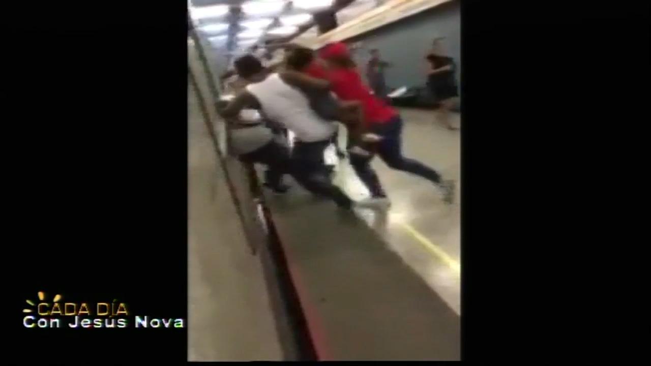 Captado En Video Chilenos Vs Haitianos