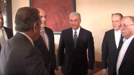 Gonzalo Castillo Se Reúne A Puertas Cerradas Con Observadores De La OEA