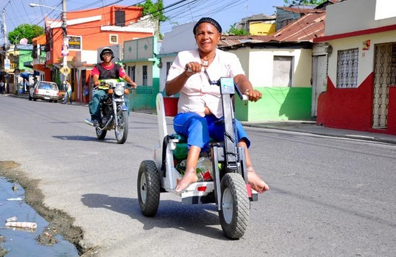 Reciclaje es modo de vida de mujer con discapacidad