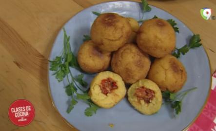 Como Preparar Albondigas De Maíz Rellenas De Bacalao Con Jacqueline En Clases De Cocina