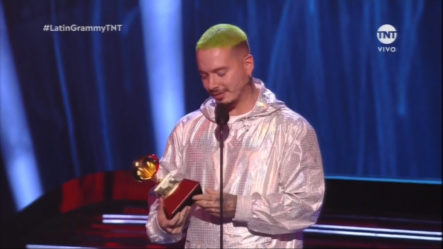J Balvin Gana A Mejor álbum Urbano En Los Latin Grammy 2018