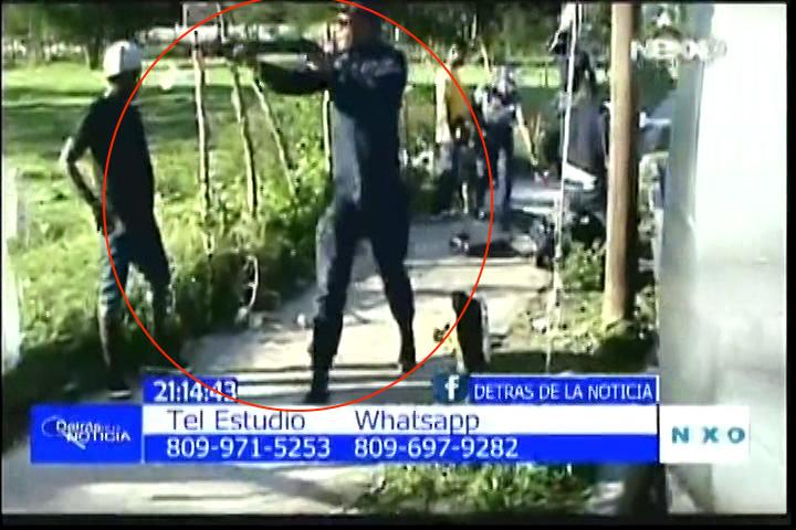 Esteban Rosario Presenta Video Cómo Policías Municipales De Abel Martínez Le Entran A Tiros Y Trompadas A Unos Comerciantes