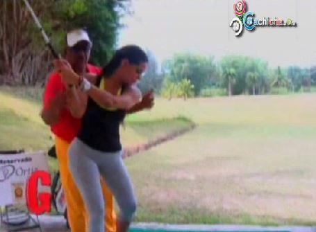 Las Geishas Jugando Golf