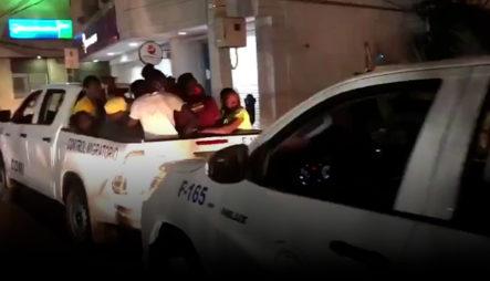 67 Indocumentados Detenidos Que Vivían En Túnel Del Monumento De Santiago