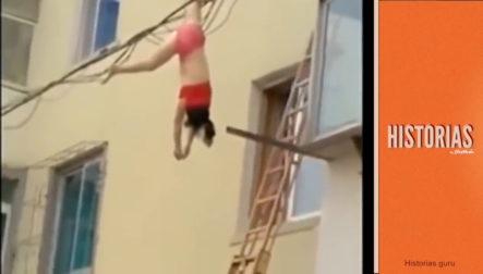Mujer Saltó Por La Ventana Para Escapar De La Esposa De Su Amante Y Termino Electrocutada