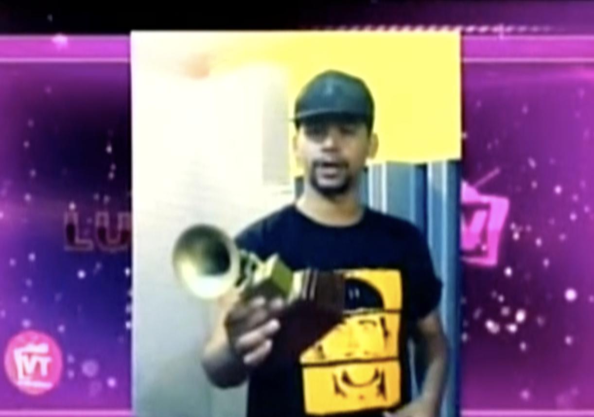 El Poeta Callejero Ya Tiene Su Grammy En La Mano