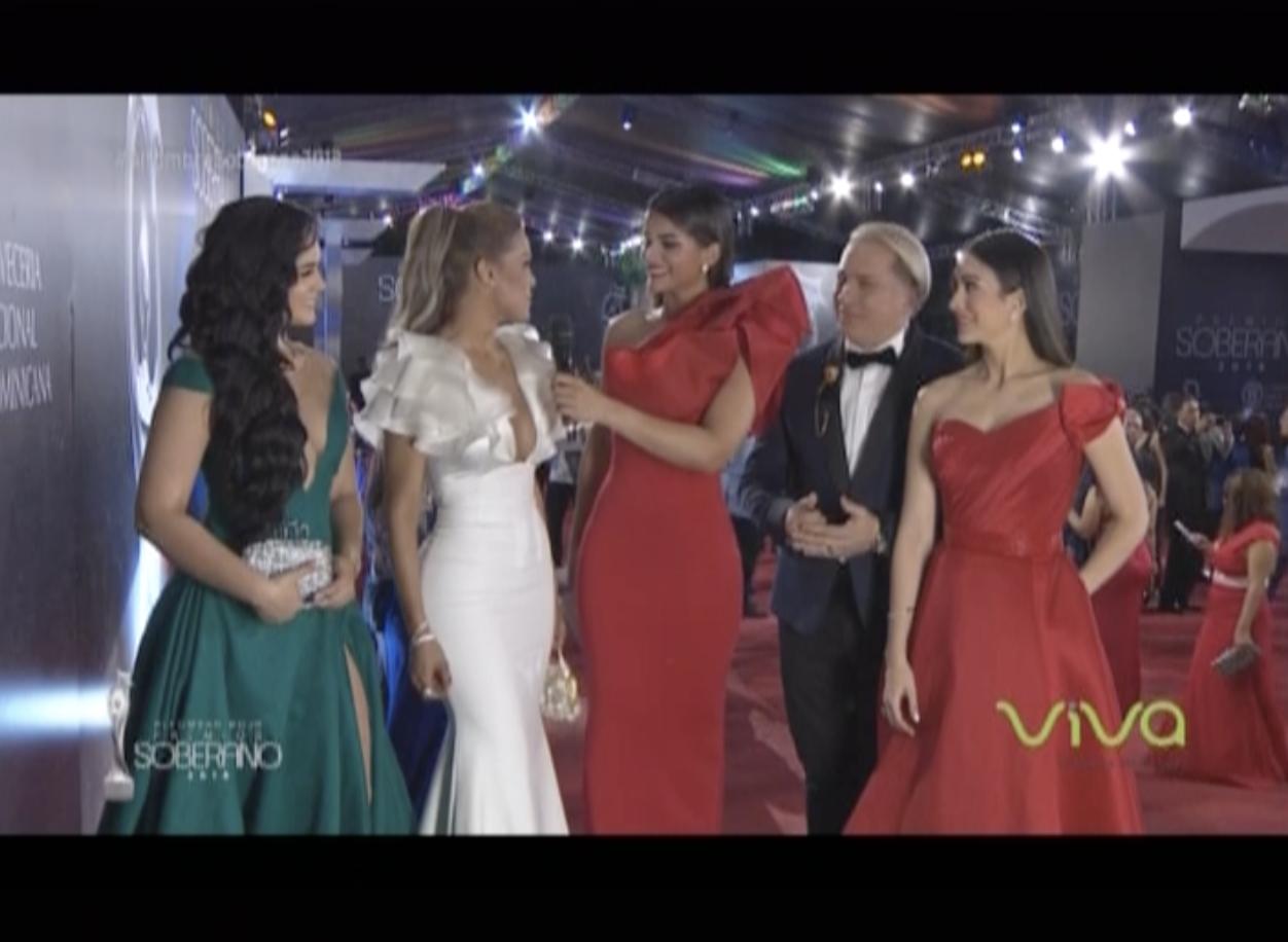 Juntas En La Alfombra Roja De Premios Soberano 2018  Las Chichas Extremas