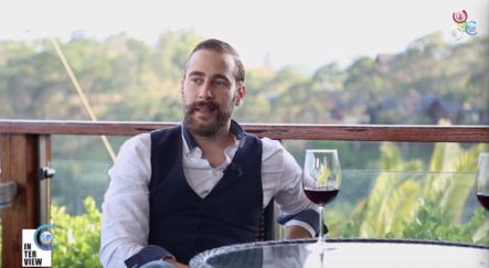 Conociendo El Lado Humano Del Actor Carlos De La Mota En La Interview De Cachicha TV