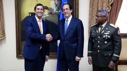 Ministerio De La Presidencia Firma Convenio Con Consorcio Energético Punta Cana-Macao Para Fortalecer Seguridad Y Conectividad En El Este Del País