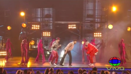 Ricky Martin, Residente Y Bad Bunny Se Unen En Los Latin Grammys Y Ponen A Vibrar El Escenario