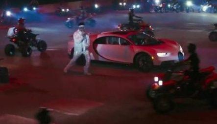 Presentación De Bad Bunny Con Su Bugatti En Los Latin Grammy 2020