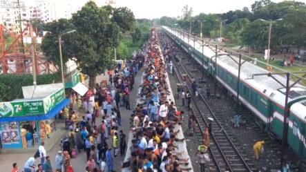 Mira De Que Forma Viajan Las Personas En Bangladesh