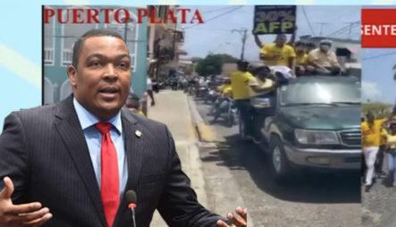 Botello Vuelve Y Lo Hace, Marcha Con Multitud En Puerto Plata Por El 30%
