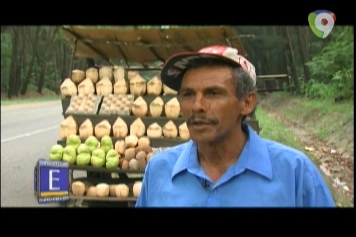 Emprendedores: Virgilio De La Cruz, Con El Sudor De Su Frente Mantiene A Su Familia Cada Día En La Carretera