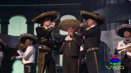 ¡BARBARO! Epica Presentación De Alex, Alejandro Y Vicente Fernández En Los Latin Grammys