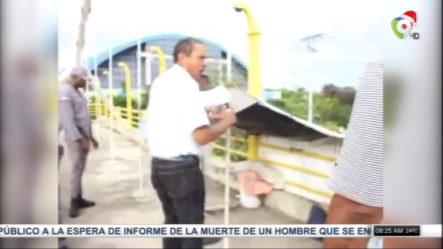Viral En Las Redes Y Con Diferentes Opiniones La Manera En Que Gobernador De La Romana Desaloja Un Hombre Viviendo En Puente Peatonal