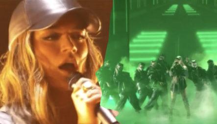 """""""La Bebesita"""" Karol G Y Su Presentación En Premios Juventud"""