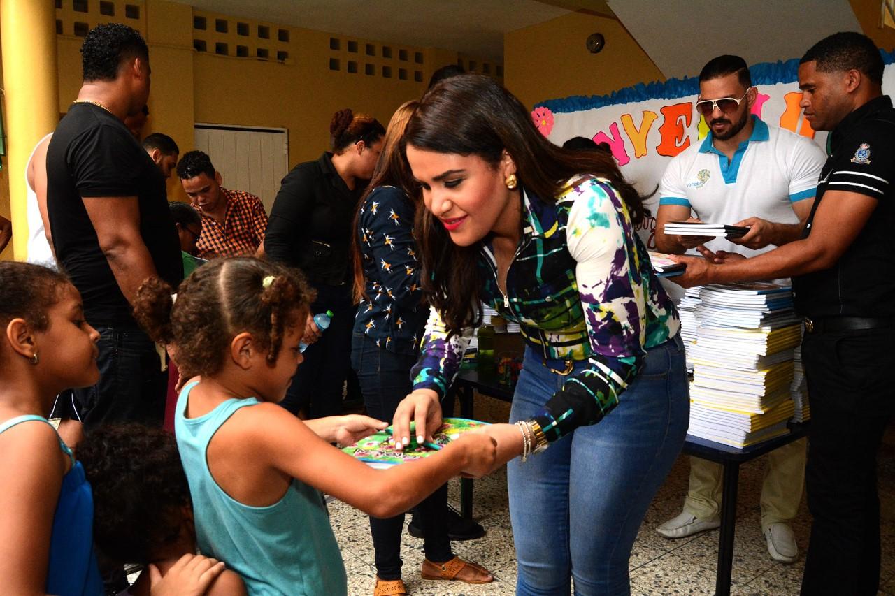 Michelle Ortiz Llama A Los Padres A Enviar Sus Hijos A La Escuela