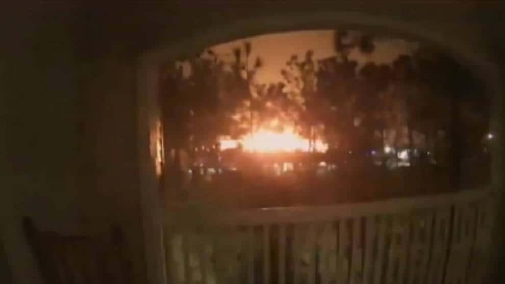 Se registra una fuerte explosión en Houston, Estados Unidos