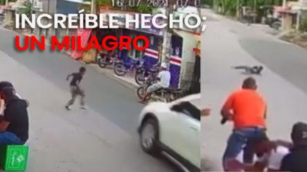 Mira Cómo Se Levanta Ese Niño Luego De Ser Atropellado Por Una Jeepeta En Villa Riva En La Calle Duarte.