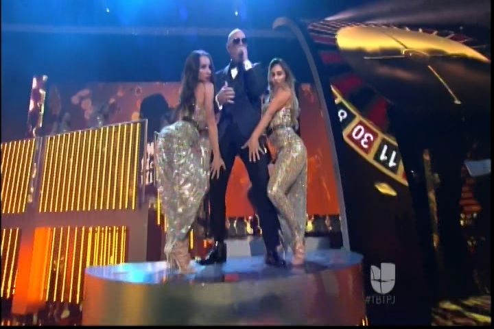 Pitbull Enloquece Al Público Con Su Excelente Presentación En Premios Juventud
