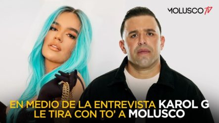 """Karol G """"BARRE"""" El Piso Con Molusco En Plena Entrevista (Titular Por Petición De Karol G)"""