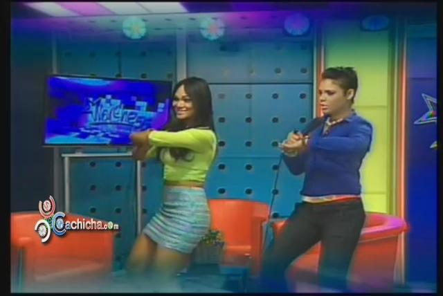 Presentadoras De Santiago Vs @HonyEstrella Bailando El #Chucucha @YamilkaEstrella @JennyCruz125 #Video